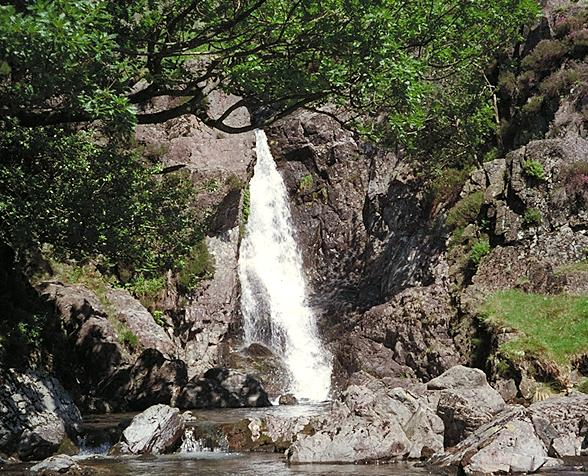 Lingcove Beck - Waterfall